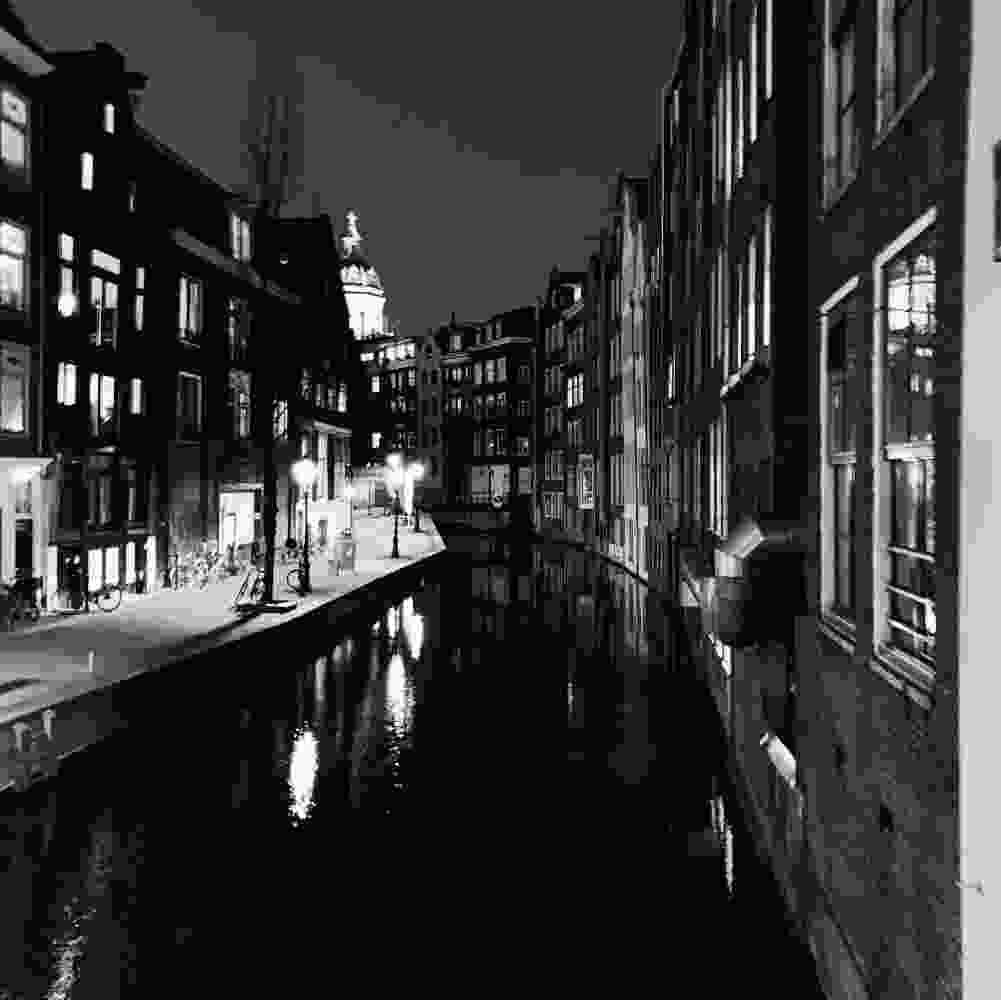 Amsterdam in de avond