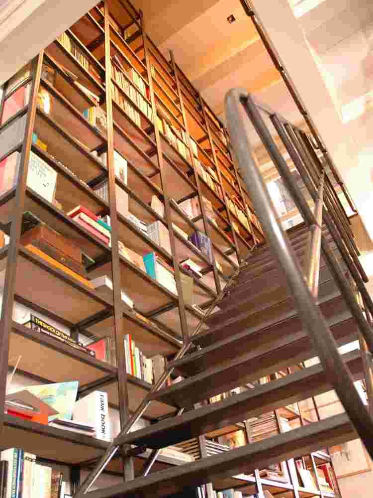 boekenkast + trap