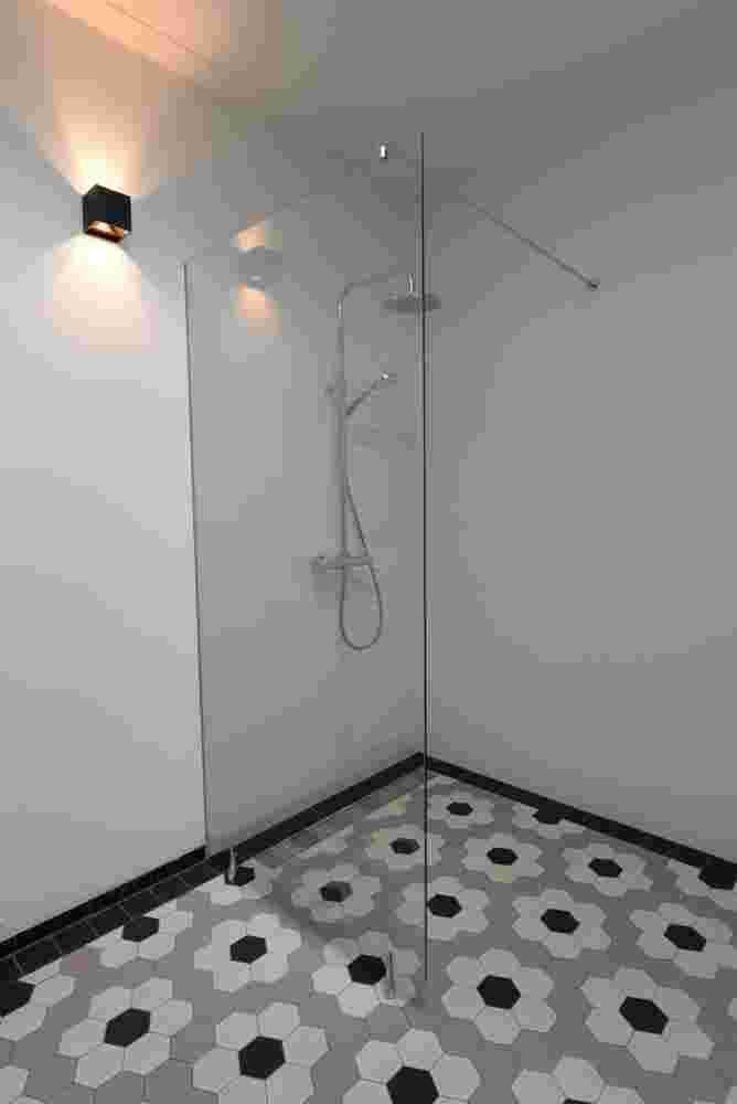 Badkamer, met speciale tegelvloer